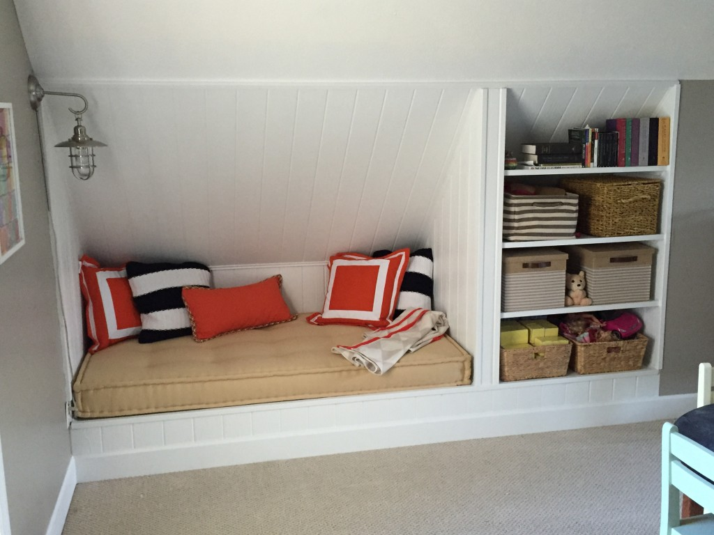 Built-In Daybed and Shelves